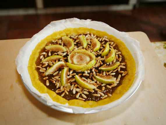 Crostata with fig jam and pears and peanuts.