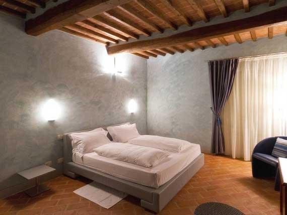 One of our cozy bedrooms in villa Casanova