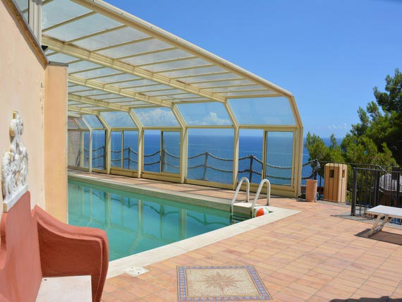 Flavours venue in Amalfi with outdoor swimming pool and sea view.