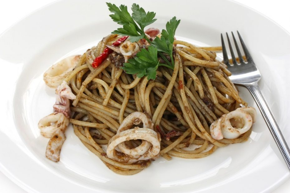 pasta-squid-ink-recipe-web