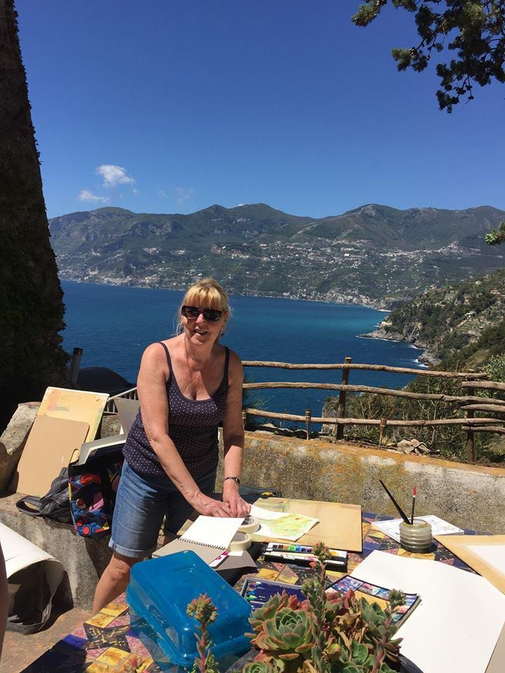 Charlotte painting guest in Amalfi