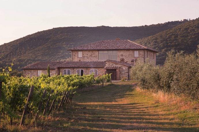 Villa-Casanova-Tuscany-outside