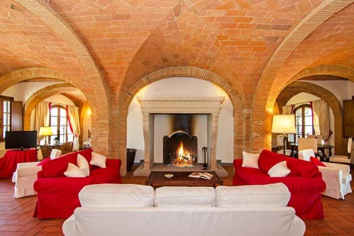 Villa-San-Luigi-Tuscany-living