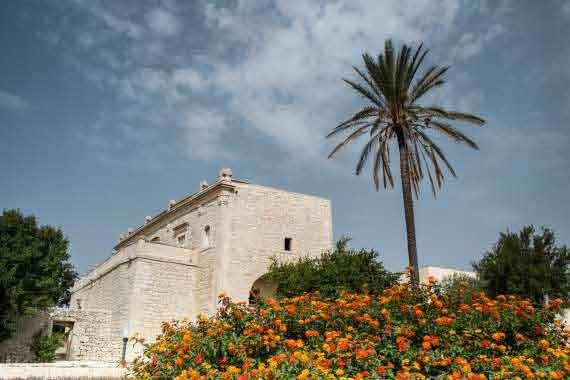 Typical Sicilian style villa exterior.