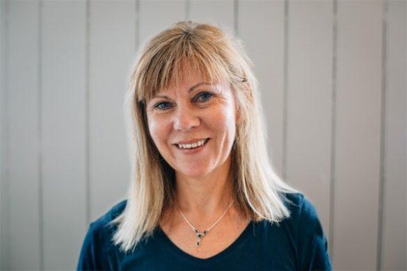 Headshot of Pilates tutor Rosalind Hoyes.